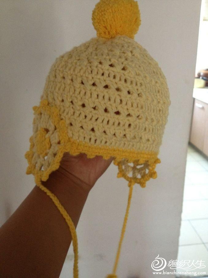 这个帽子是跟在小白的视频后面学会的,第一次拿钩针。谢谢小白的教程