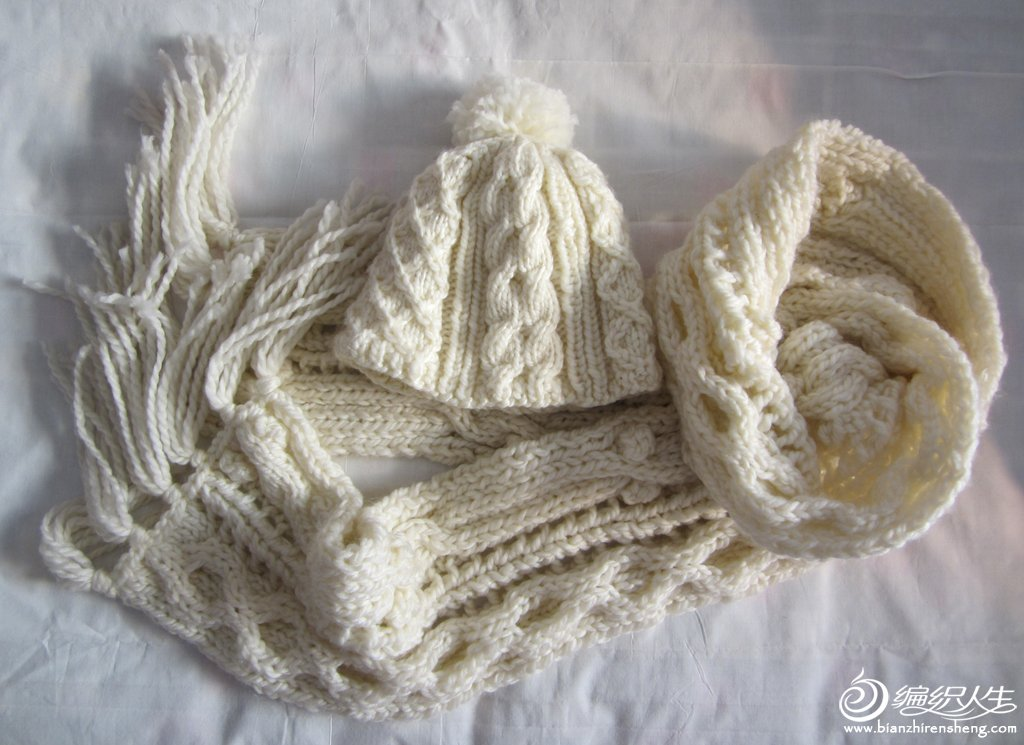 白色围巾3.JPG