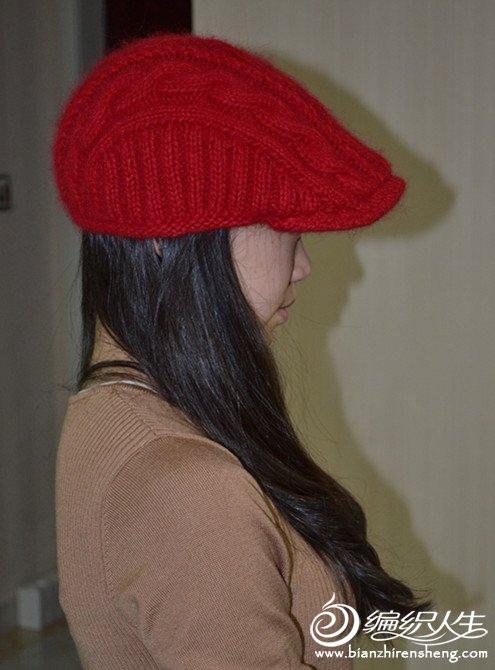 红色鸭舌帽