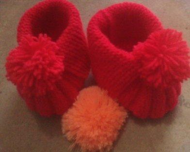 红色贝壳鞋
