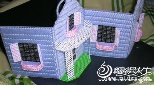 房子制作13连好零部件,把三面墙面缝合,空着一面,以便于连屋顶.jpg
