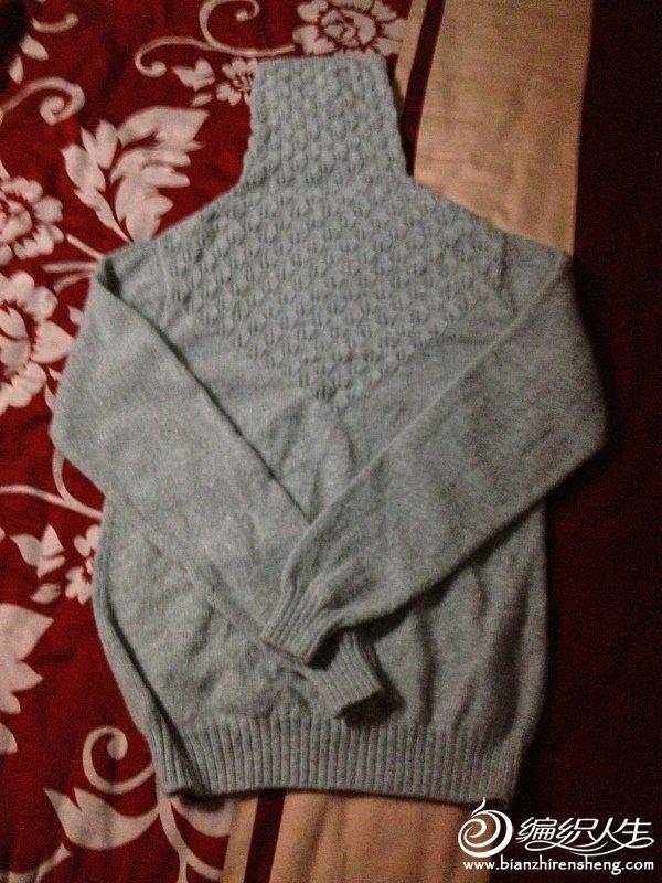 终于织好了一件自己的毛衣,还蛮好看的