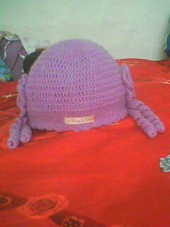 妈妈给我钩的帽子.jpg