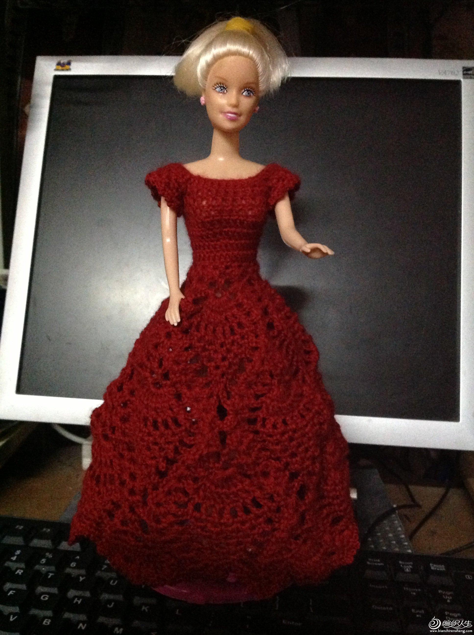 礼服裙 61  手钩芭比新裙子--妈妈亲手给女儿制作芭比娃娃新衣服