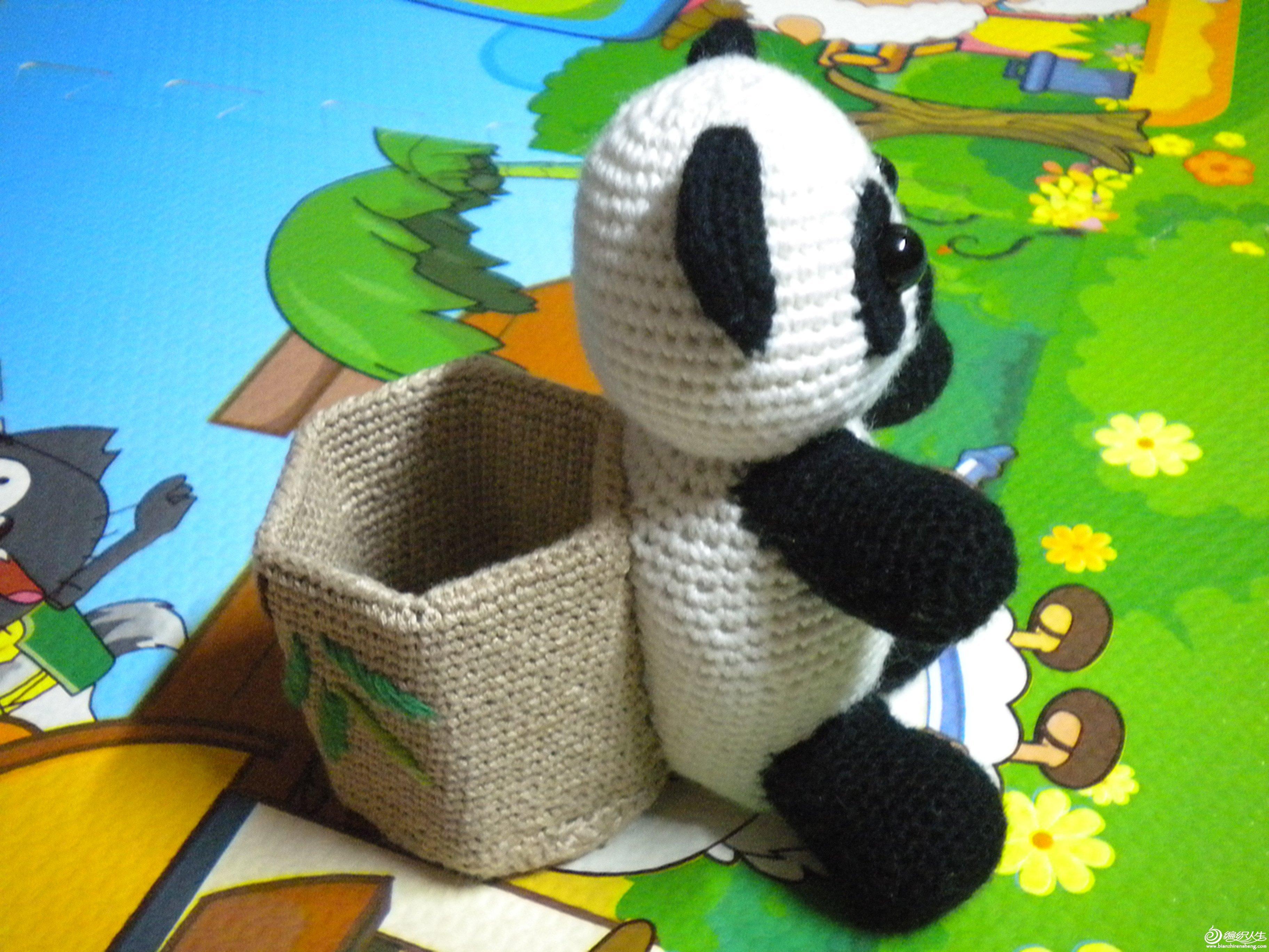 钩针熊猫笔筒