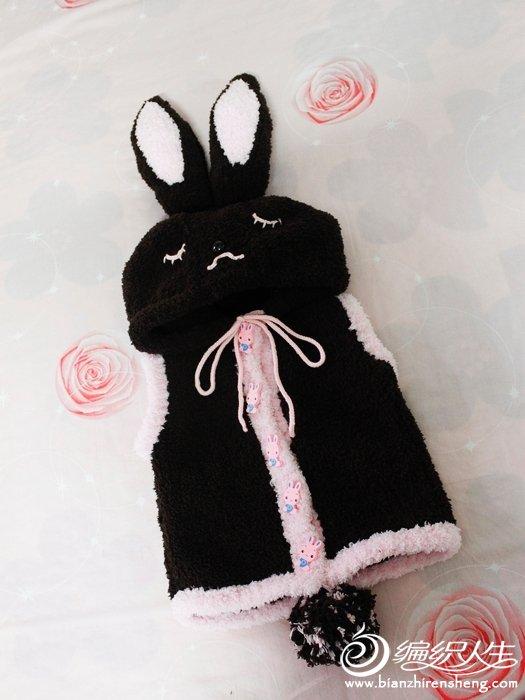 萌萌的戴帽子的小兔子