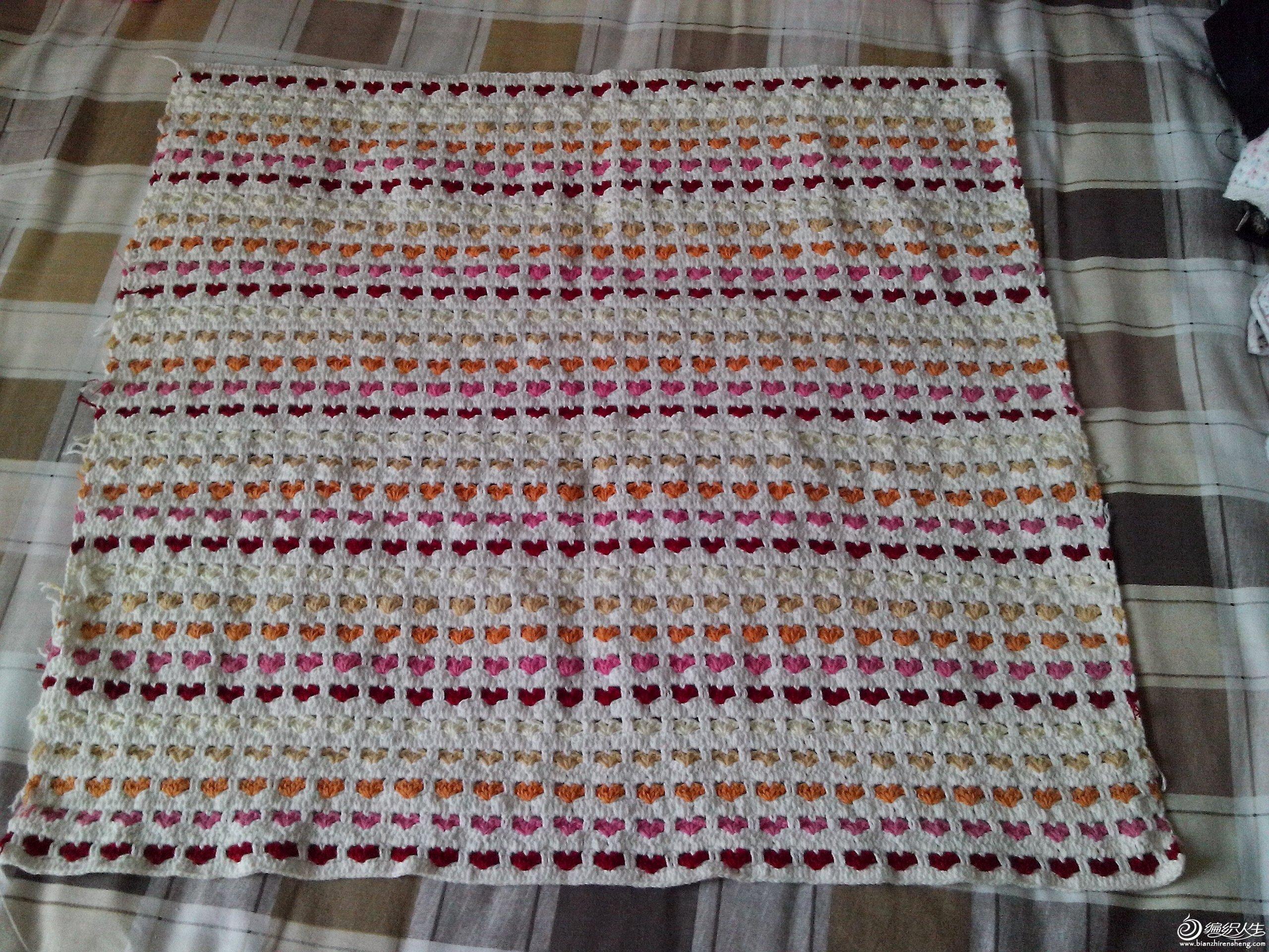 这个毯子已经钩好很长时间了,一直也没有发帖,现在上图,有图解的,喜欢的姐妹们多加分啊!
