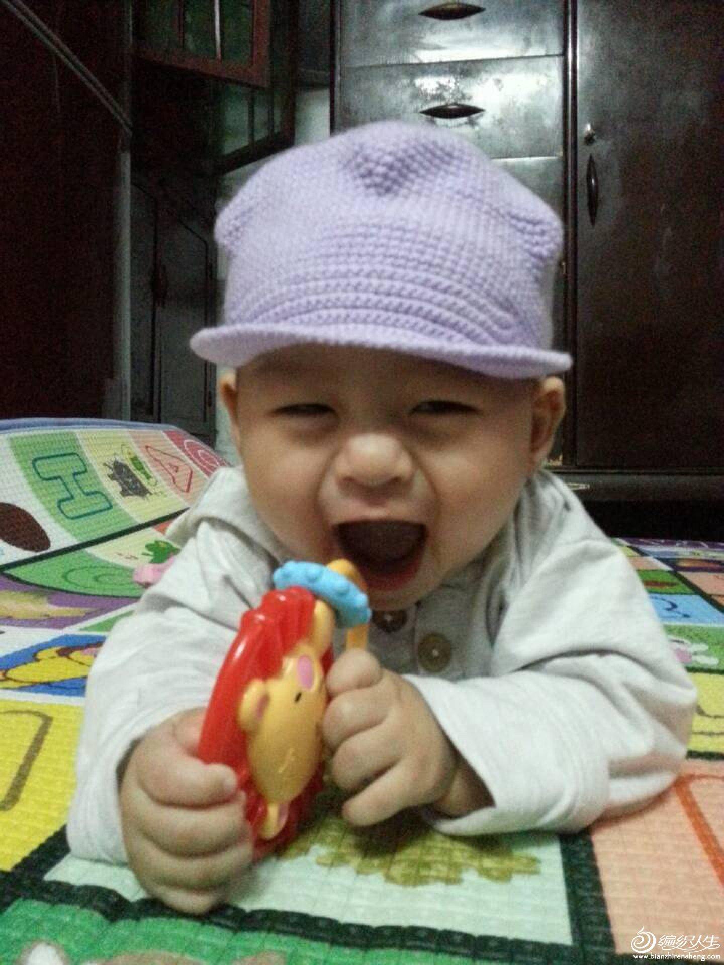 我用的宝宝绒,帽子是2.0的钩针 高清图片