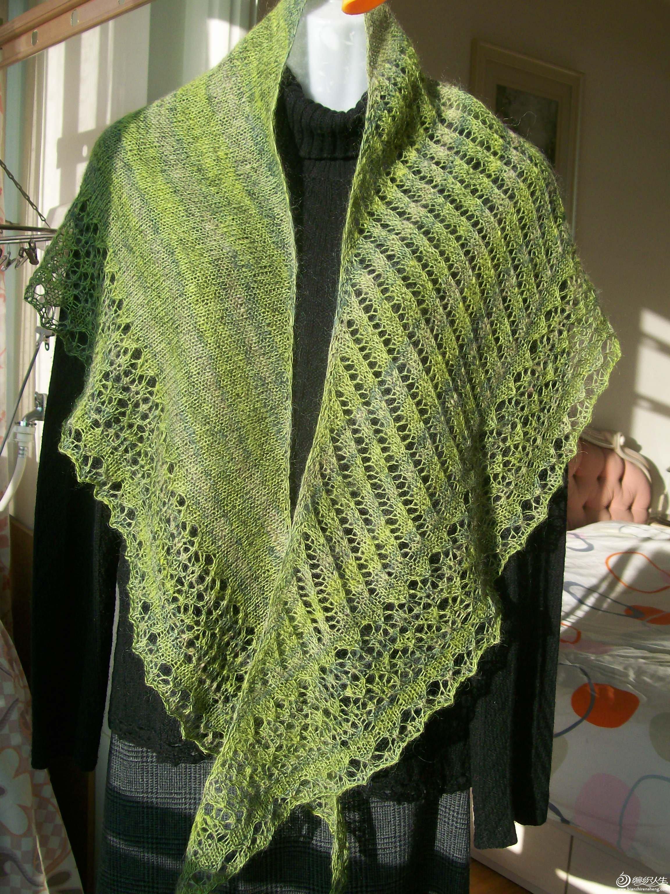 段染马毛与羊绒结合的教堂披肩,售价:120