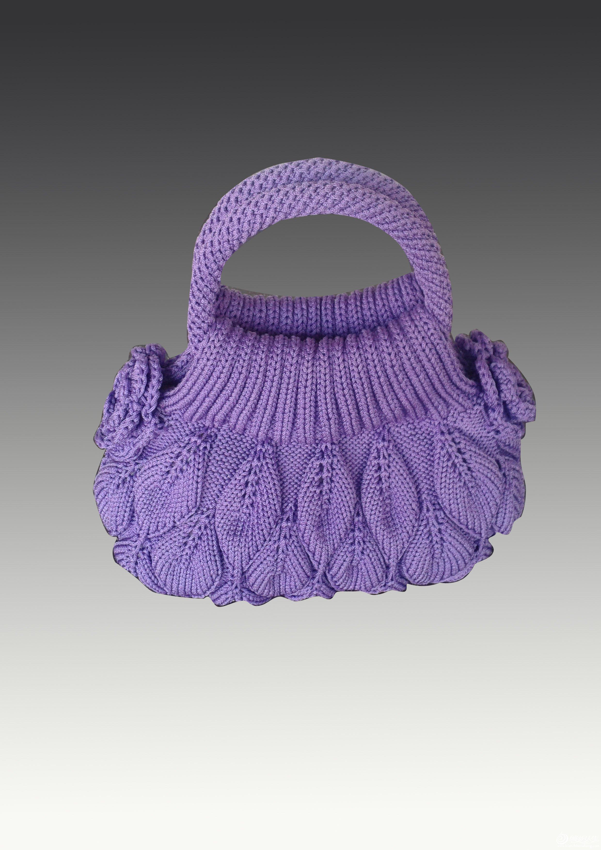本帖最后由 宝贝飞翔 于 2010-4-27 16:42 编辑 前几天,看到坛里一个姐妹织了一款类似的衣衣,很喜欢,但她的图解我是看不懂的,于是我按我个人的理解,用我喜欢的紫罗兰色编织了这款裙式衣。衣衣可以穿几个季节的,甚至可以囊括四季哟,既是裙又是衣,不仅仅是美观,实用性也超强的,喜欢的姐妹别忘了支持一下评个分,鼓励一下我,我好继续为大家服务哟。 。 编织说明来了: 镂空花样说明: 第一层:正20,加1针 正四针 二并一 正四针 二并一 正四针 加一针 正20针,(中间的16针为镂空花形,如果要加针,可
