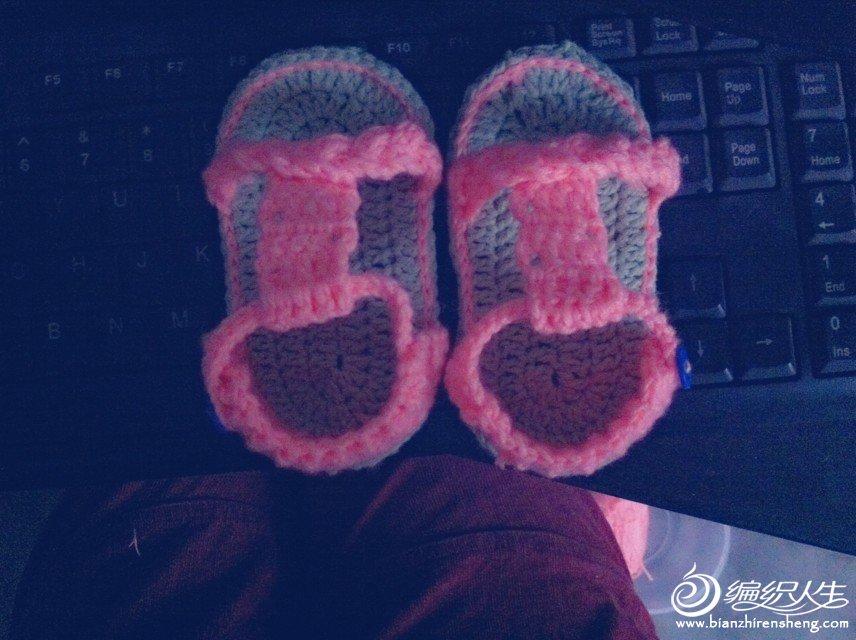 可爱的宝宝凉鞋