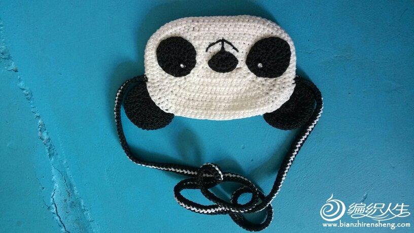 69 钩针编织作品区 69 钩针编织作品秀 69 可爱的小熊猫包包