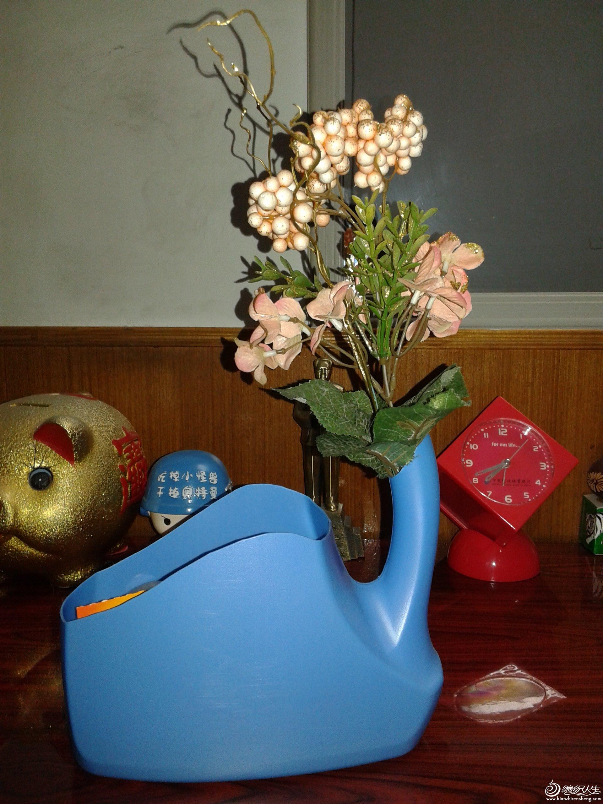 废物利用纸盒手工制作图片展示_废物利用纸盒手工