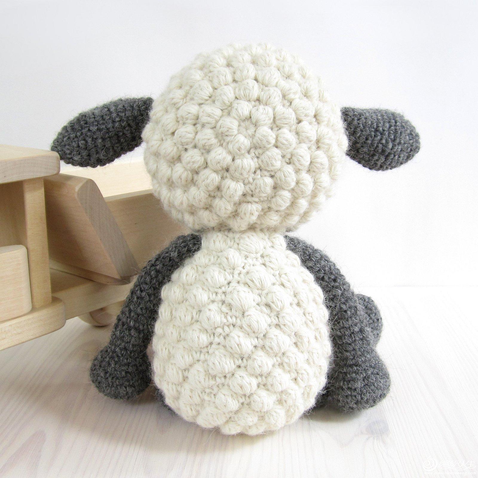 欣赏可爱钩针小羊
