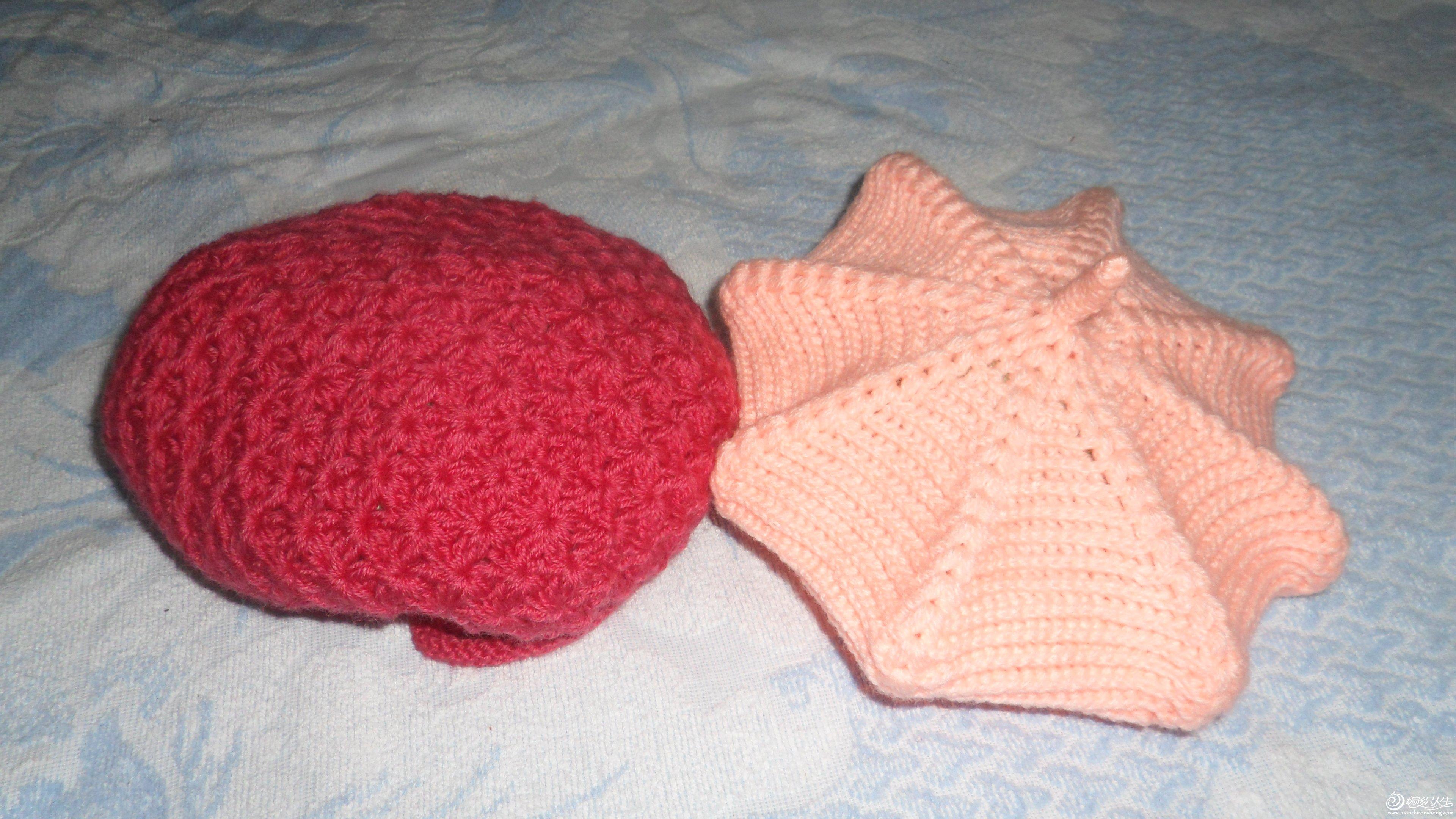 69 2014下半年钩织的一些作品    钩的两顶帽子,粉红的是儿童八角帽