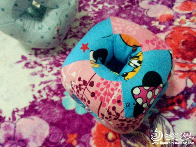 六孔玲珑枕