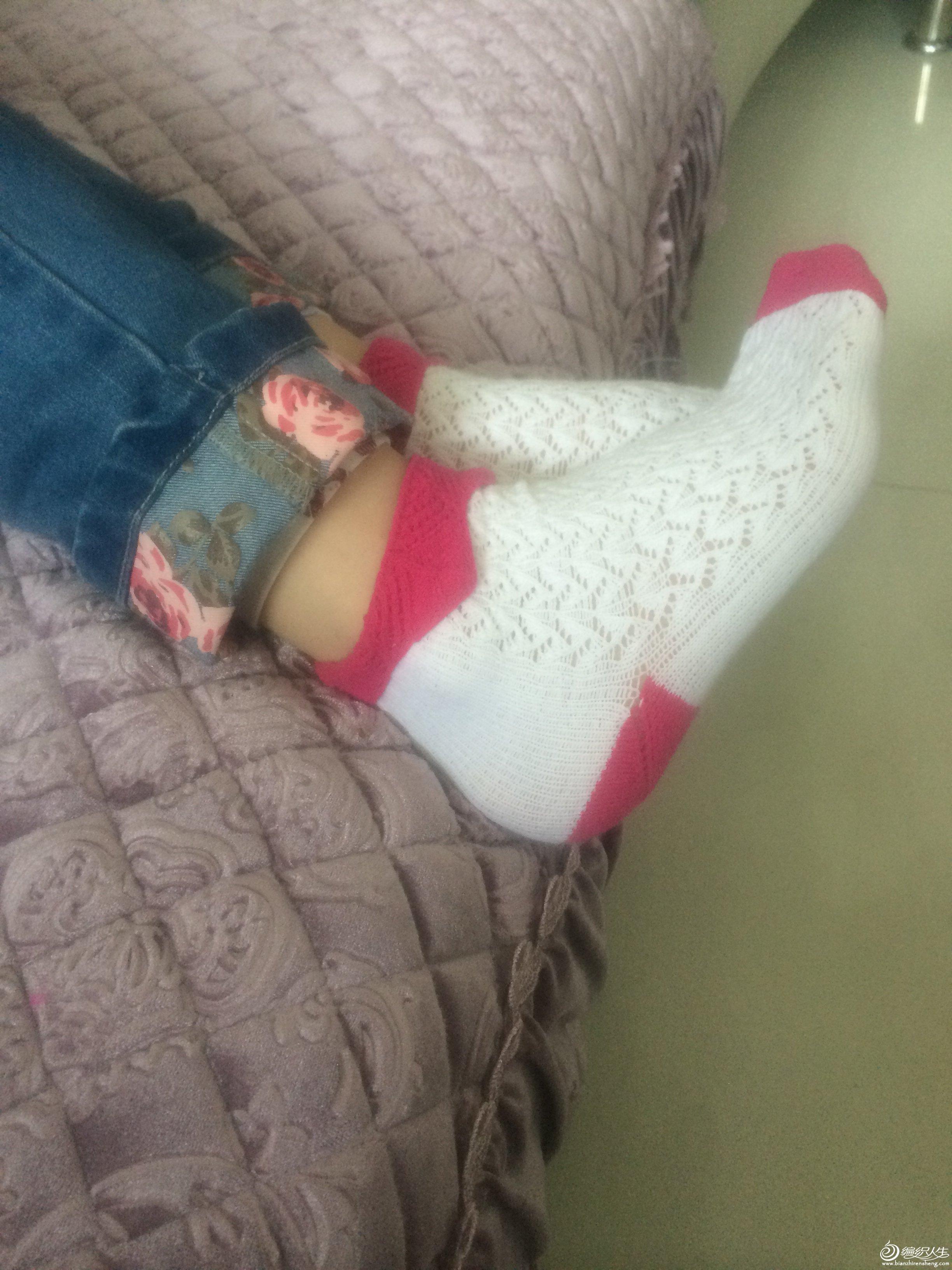 花边袜子特别适合小女孩子
