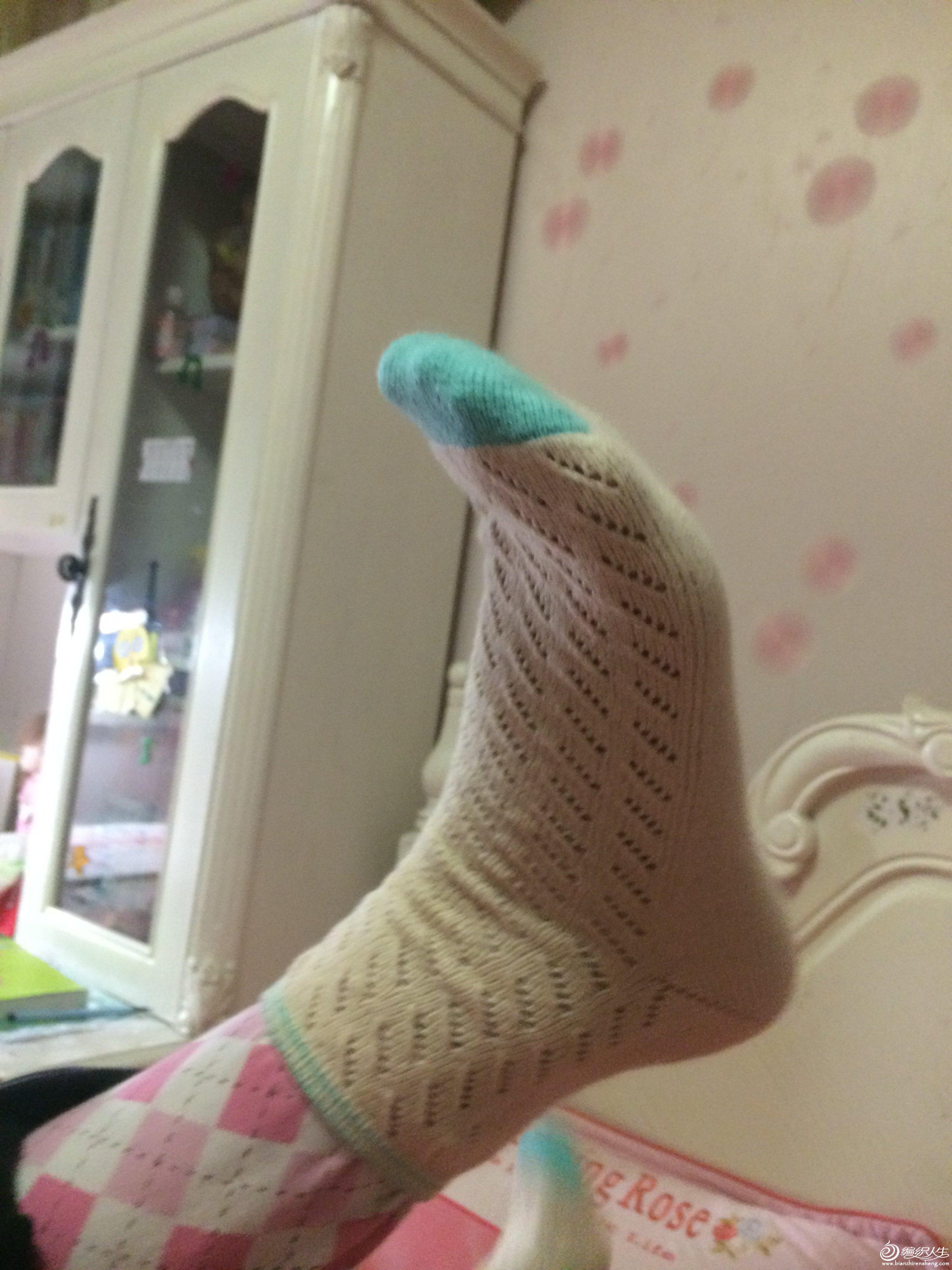 继续来一双花边的袜子