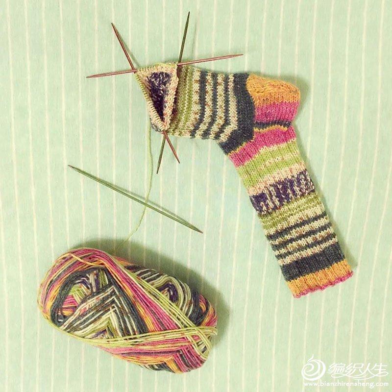 时尚毛线袜织法
