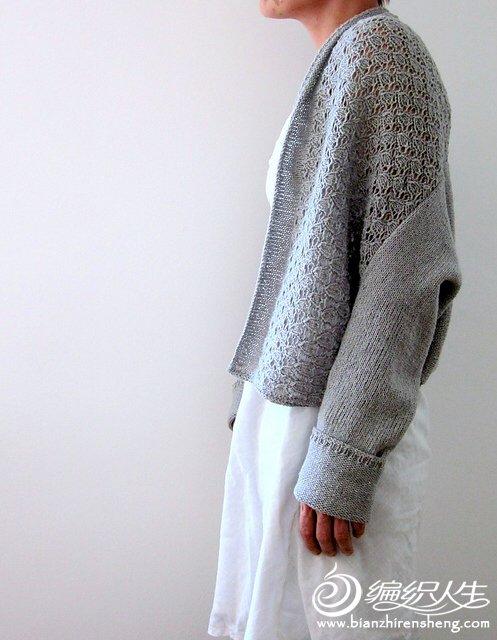 女士灰色开衫毛衣