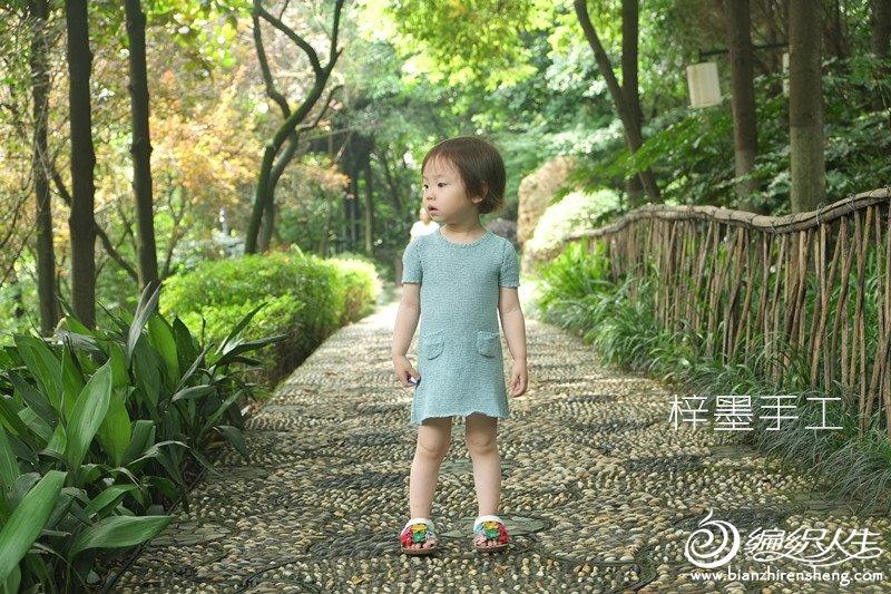儿童钩针短袖连衣裙