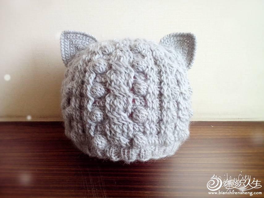 编织教程 有棒针即视感的钩针猫耳帽  作品介绍: (钩针帽子:猫耳朵