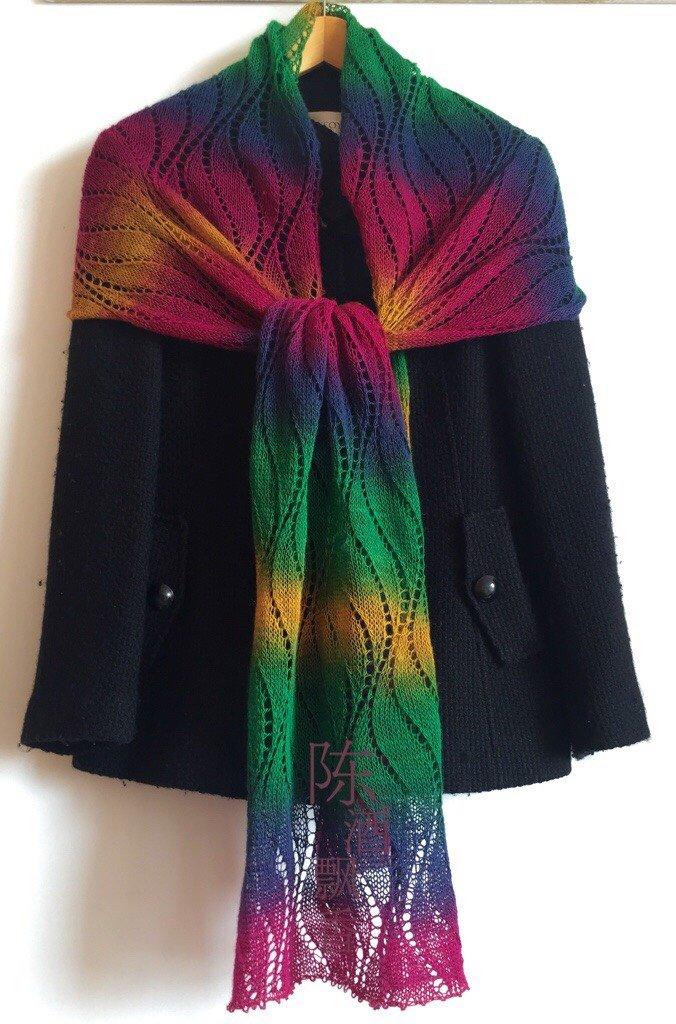 彩虹长段染棒针围巾
