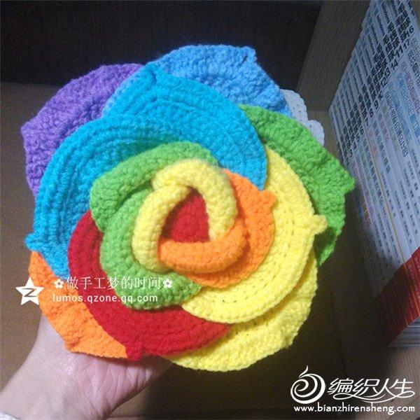 彩虹色钩针玫瑰