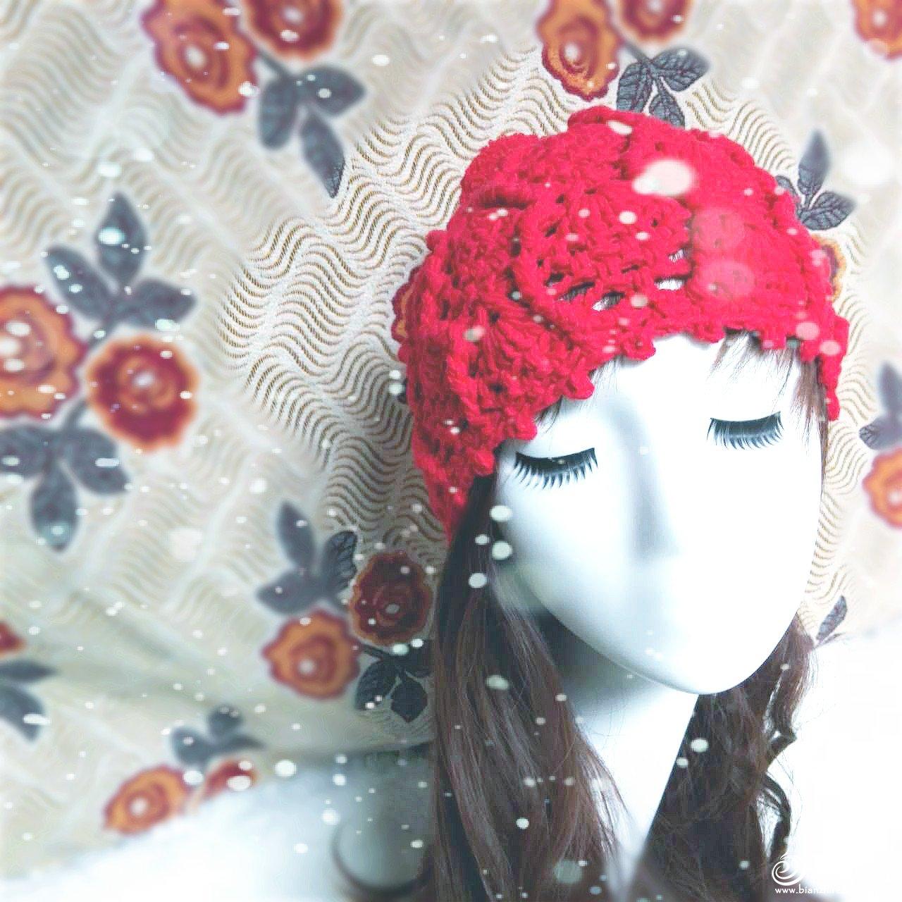 红色钩针帽子