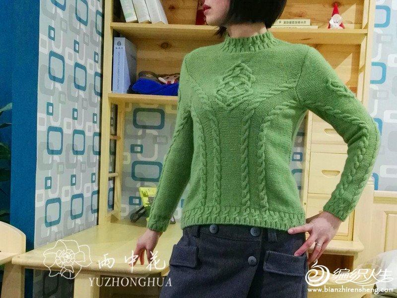 手编女士小高领毛衣