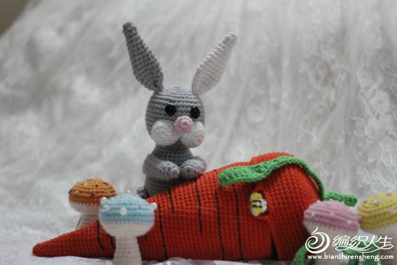 毛线玩偶兔子的故事