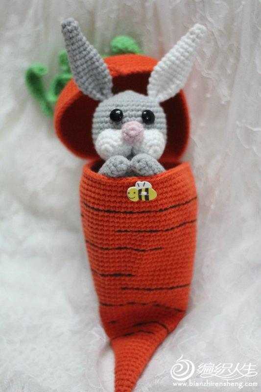 毛线兔子玩偶