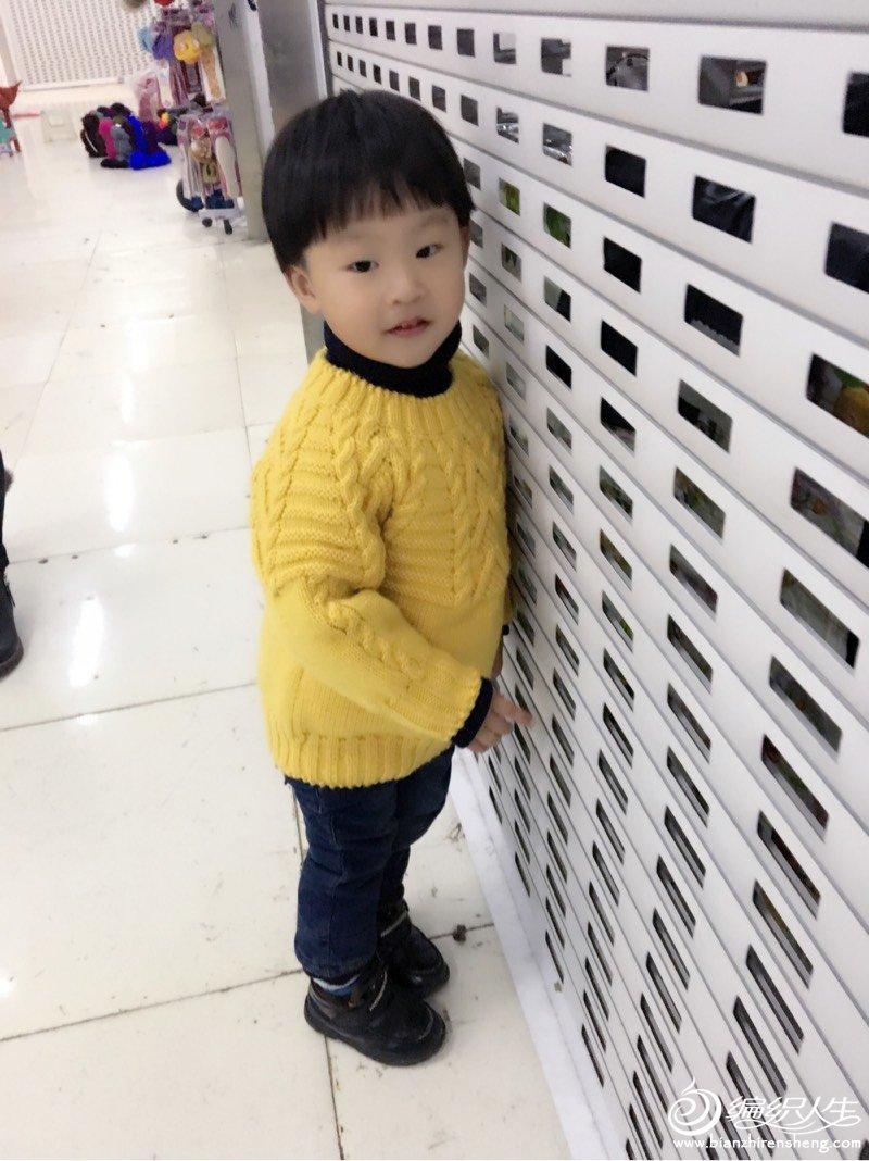 男童棒针圆领毛衣