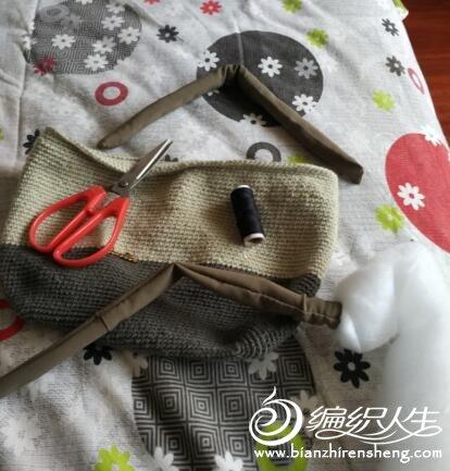 毛线头钩的小提包