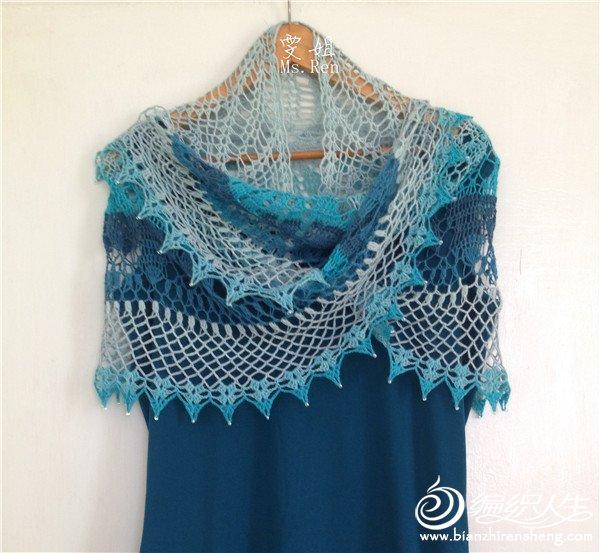 水色蓝白长段女士钩针毛蕾丝披肩-编织教程-编织人生
