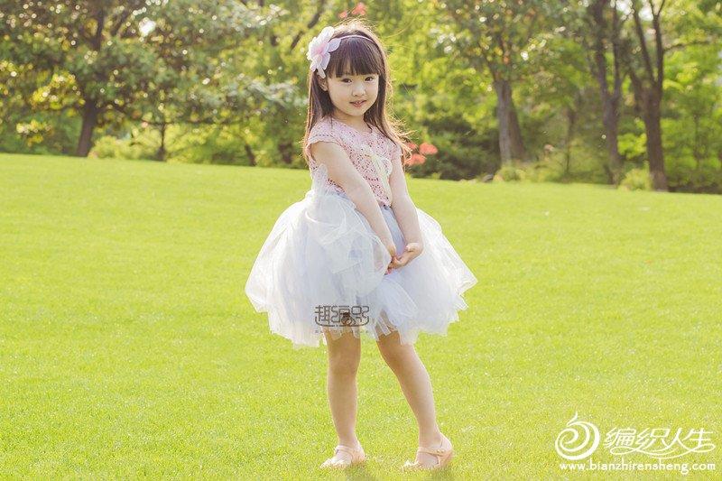 钩纱结合儿童公主蓬蓬裙