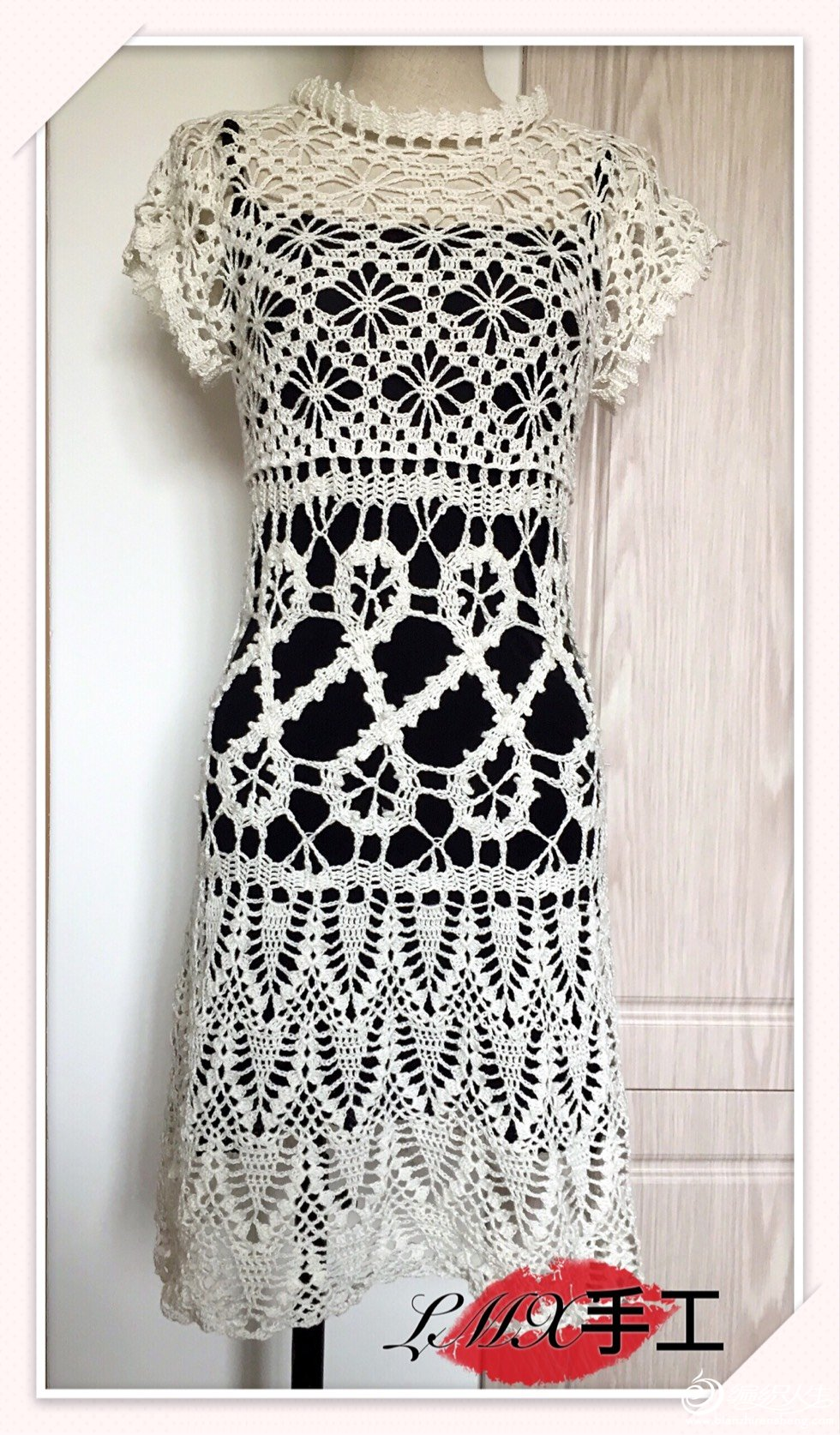 钩针蕾丝连衣裙