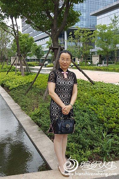 女士钩针蕾丝旗袍