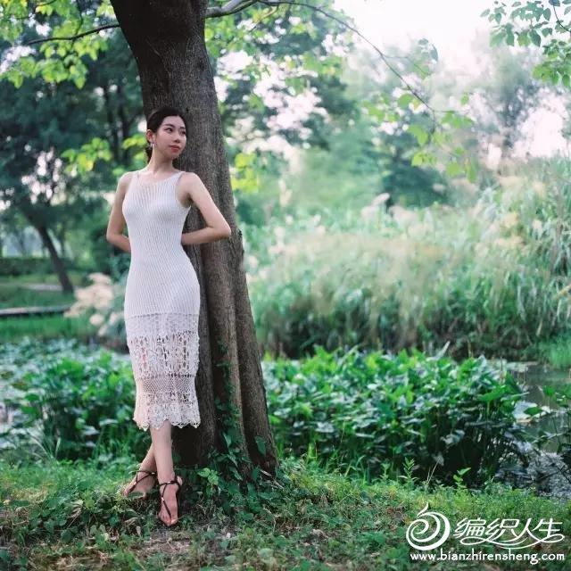 棒针镂空花连衣裙
