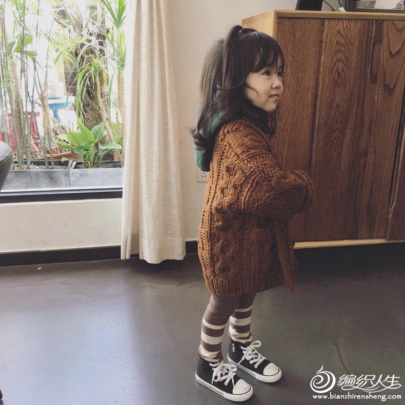 女童粗棒针毛衣外套