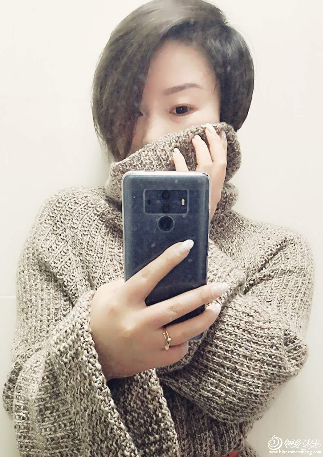 阔袖高领毛衣