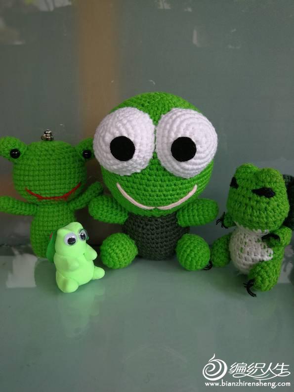 钩针青蛙玩偶