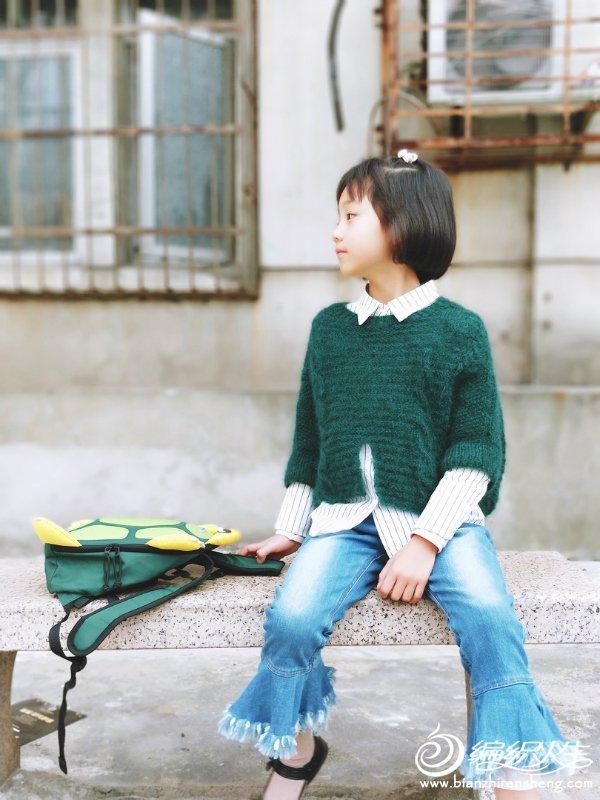 墨绿色儿童毛衣