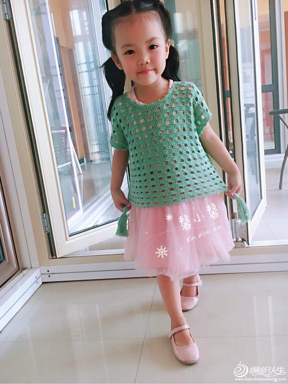 宝宝钩针镂空衫