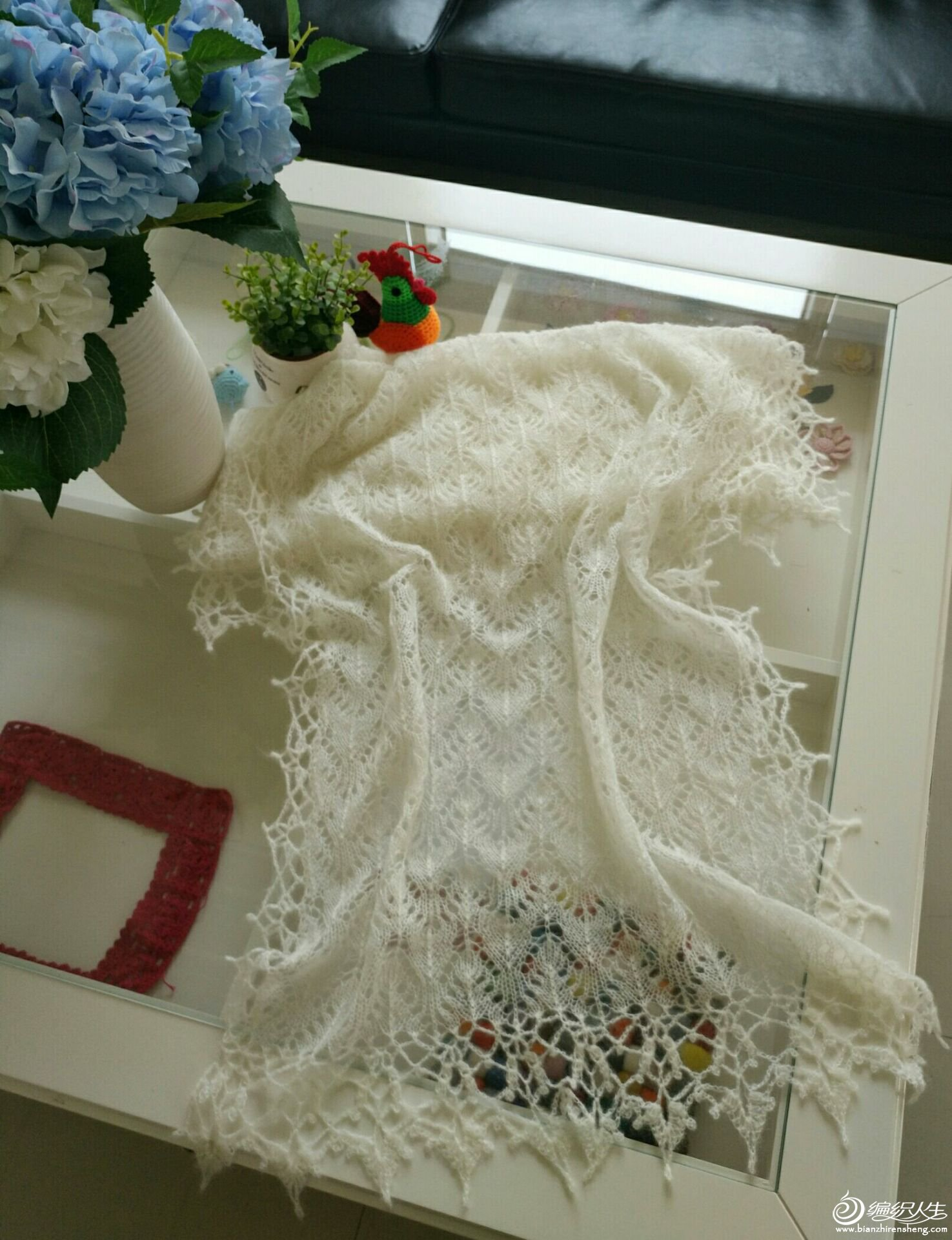 机织镂空花围巾