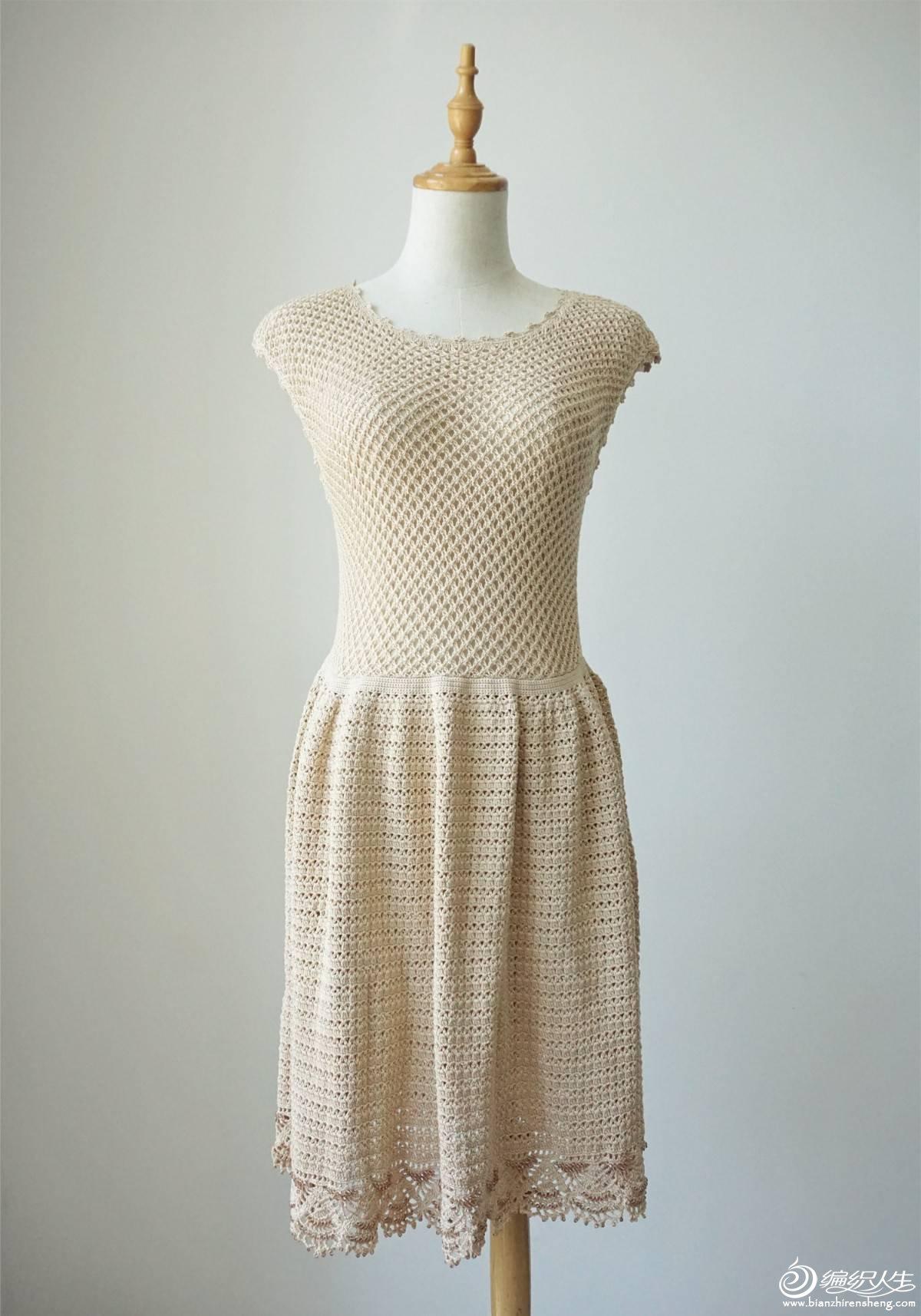 钩织结合女士裙装