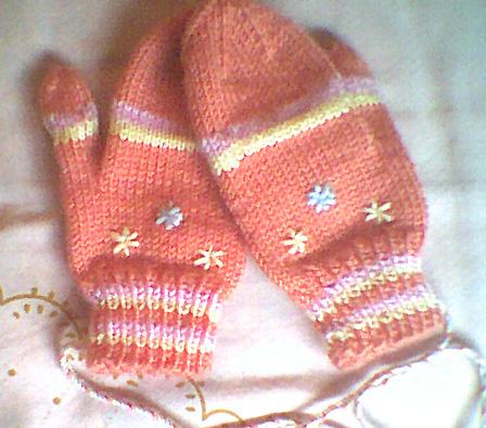 小手套,小袜子还有可爱的手机套