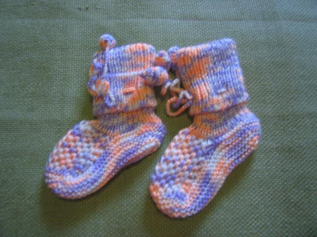 给宝宝织的袜子!_编织人生论坛