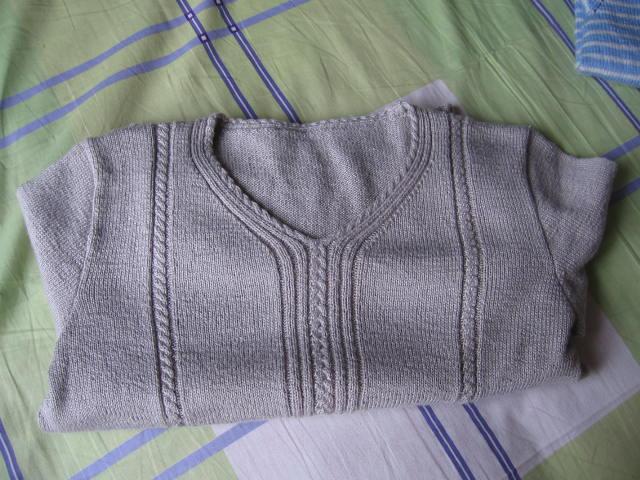 旧线翻织的毛衣服