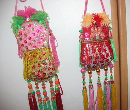 老公将近90岁的姥姥给宝做的小装饰荷包